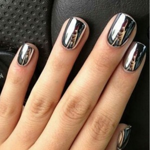 Mirror Nails Are A New Manicure Trend That Will Make You Look Twice ...