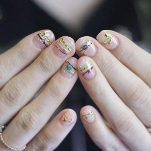 Bracelet Nails The Bejewelled New Trend In Nail Art