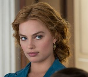 Get Margot Robbie S Pulled Back Wavy Hairstyle From Quot The