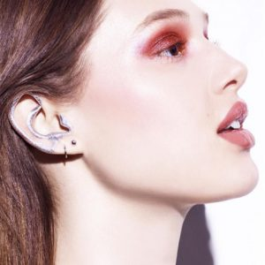 EAR MAKEUP 1