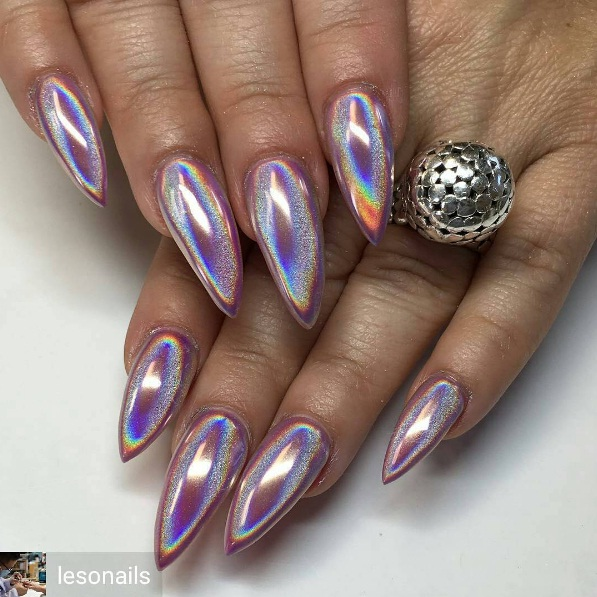 HOLOGRAPHIC NAILS 1
