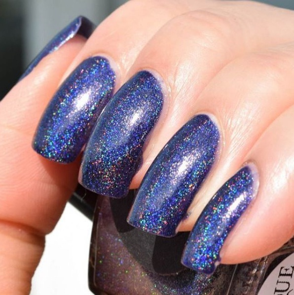HOLOGRAPHIC NAILS 2