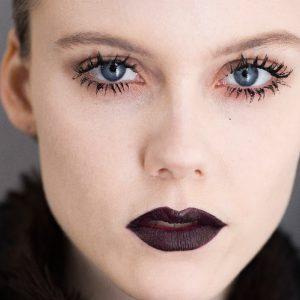 dark-lip-makeup