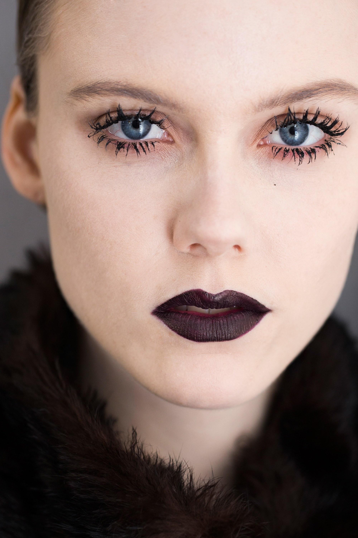 Beautiful dark coloured eyes scene - 3 part 7