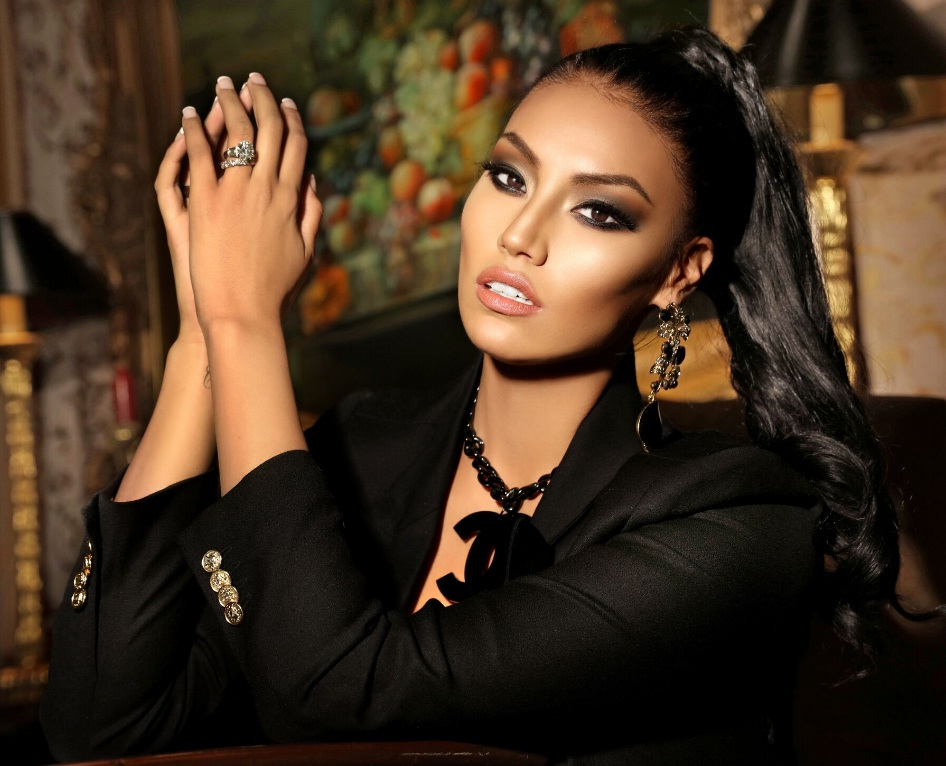 ashley-callingbull-featured-image
