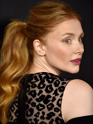 Dallas Beauty Lifestyle Fashion Blog: See Bryce Dallas Howard's Textured Ponytail And Makeup