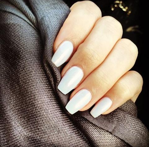 Rock Opalescent Nails This Holiday Season Beauty