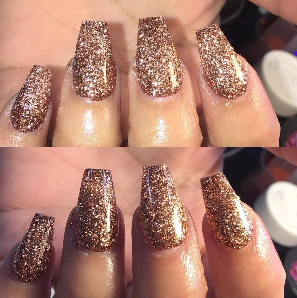 Rose Gold Nails Stun As A Sultry Winter Manicure | BEAUTY