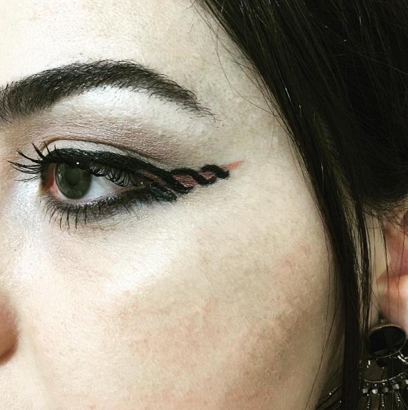 unicorn-eyeliner-2