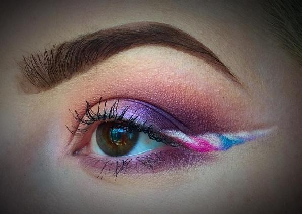 unicorn-horn-eyeliner