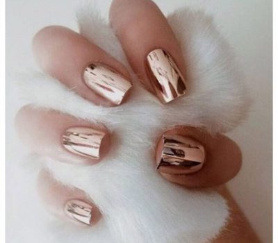 Chrome Nails Are A Leading Manicure For The New Year