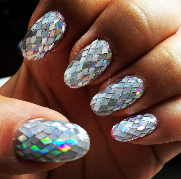 Master Sparkling Diamond Nail Art For Your Next Night Out   BEAUTY