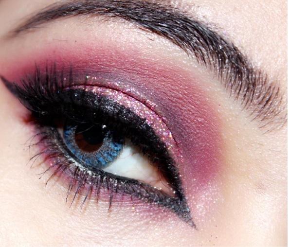 NYC Sparkle Eye Dust Eyeshadow in Brilliant Sapphire