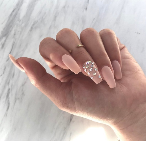 Beautiful Bejewelled Nail Art Looks To Dress Up Your