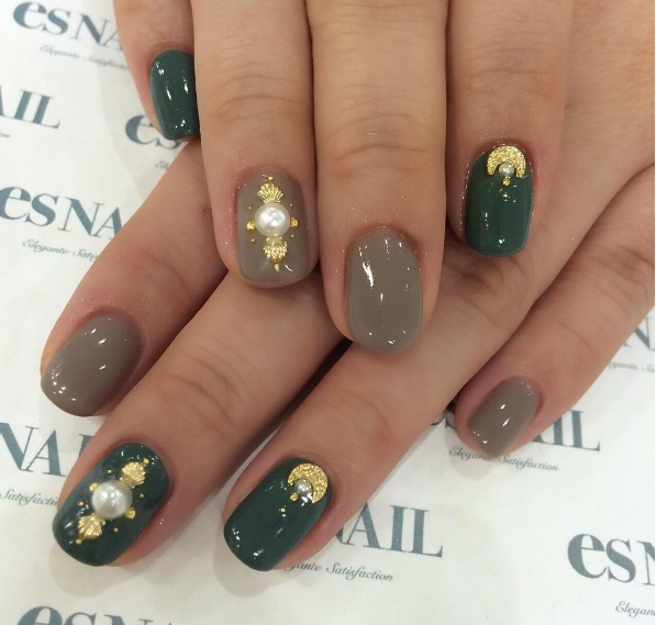Summer\'s New Nail Trend Is The Moss Green Manicure | BEAUTY
