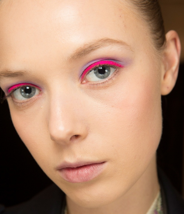 How To Bring Pretty Pink Makeup Into Fall