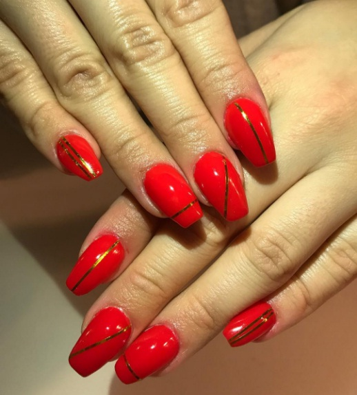 Nail Lacquer Which Works With Everything From A Little Black Dress To Red Jumpsuit Here Are Few Ways Embrace The Trend Of Polish Right