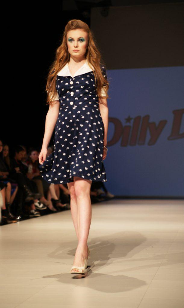 DILLY DAISY- AMANDA SKRABUCHA