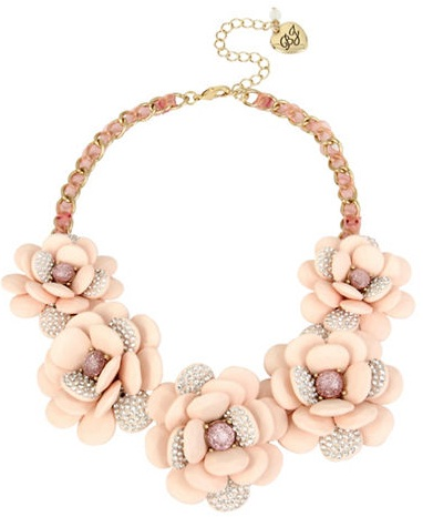 pink-flower-necklace