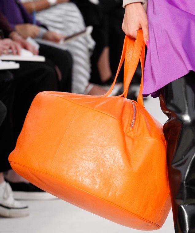 Summer S Hottest Handbag Is The Duffel Bag
