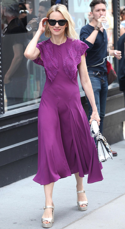 ccaae6d572e Celebrity Style. Wear To Work Outfit Ideas For Summer 2017
