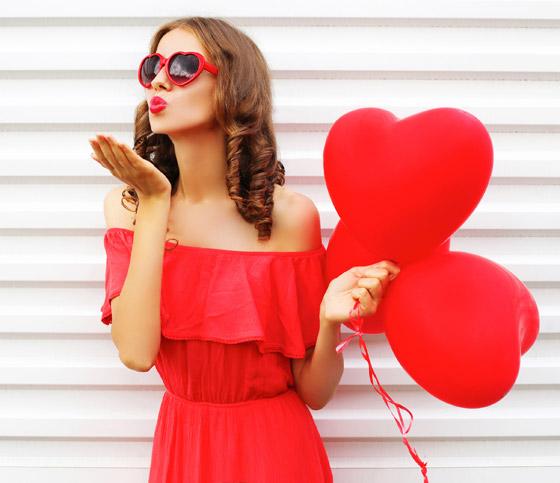 5 Romantic Dresses For Valentine's Day 2018