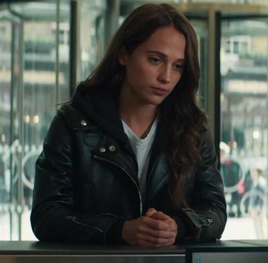 "Alicia Vikander Tomb Raider: Get Alicia Vikander's Hooded Jacket Look From ""Tomb Raider"