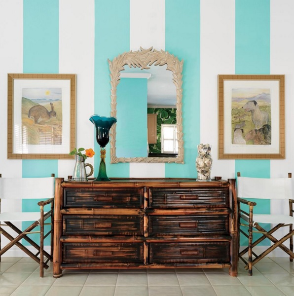 Bring The Shore Into Home With Beach Style Living Room: Bring Calming Island Décor Into Your Home With These Tips