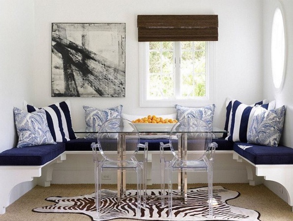 NAVY AND WHITE BREAKFAST NOOK