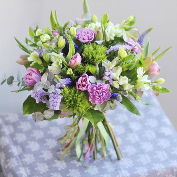 Spring floral arrangements to instantly refresh your space lifestyle spring florals 1 mightylinksfo