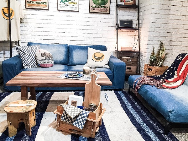 40 Rustic Living Room Ideas To Fashion Your Revamp Around: Denim Décor Is A Surprising New Interior Design Trend