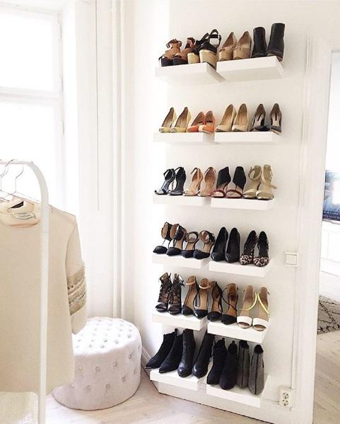 Easy Walk In Closet Décor Ideas