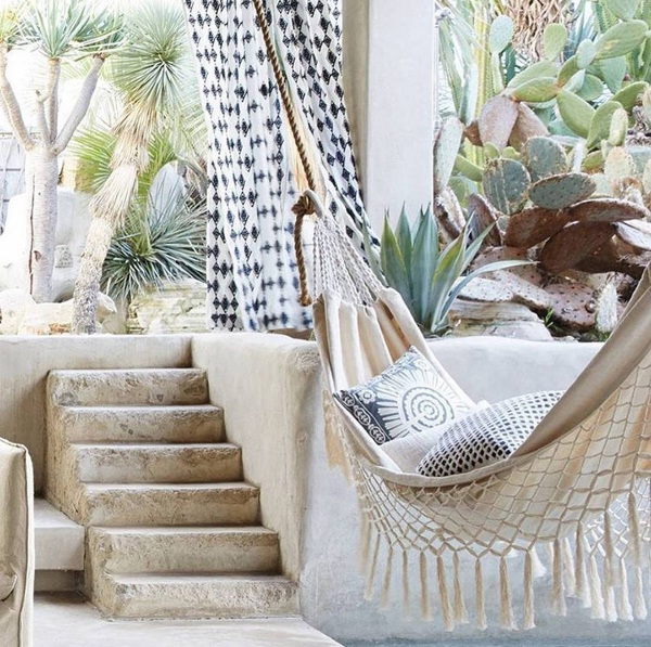 Hammocks Decorate With The Must Have Summertime Home Accents