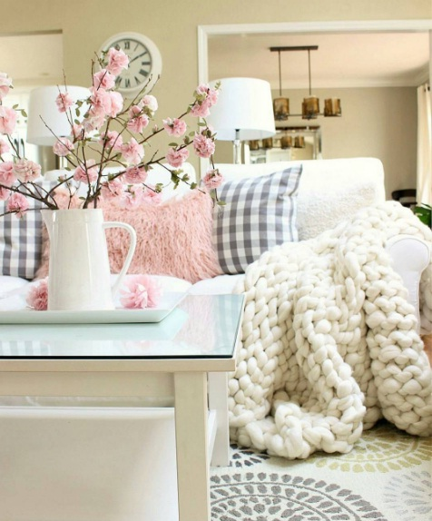 Spring Into 2017 With These Easy Home Décor Fi