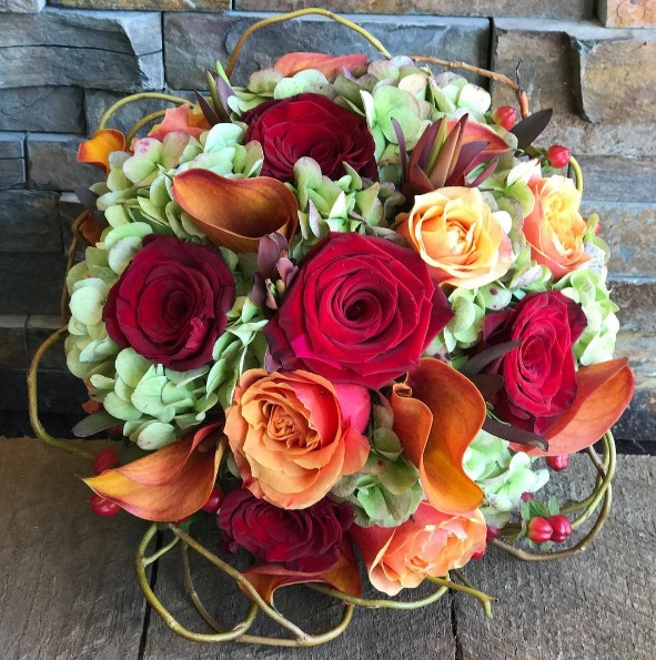 Decorate with these beautiful floral arrangements for september keeping shades of orange yellow and pink in mind here are some beautiful bouquet ideas to help you refresh your space right now mightylinksfo