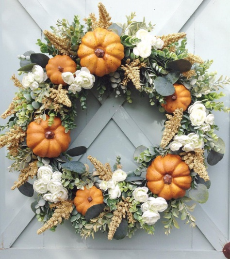 Gorgeous Fall Wreaths That Will Bring Harvest Season Into Your