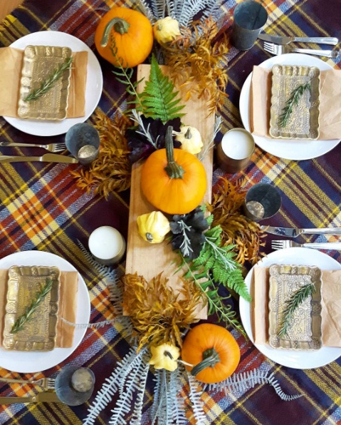 Decor Help: Thanksgiving Dinner Table Décor To Help You Entertain In